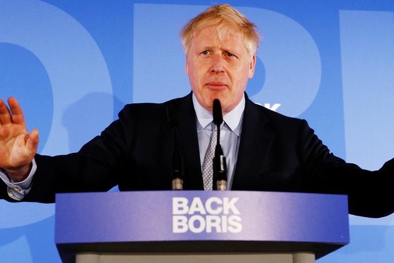 Джонсон побеждает в Великобритании