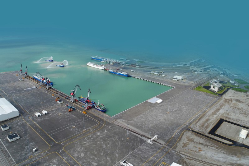 Бакинский порт увеличил грузоперевалки на 27%